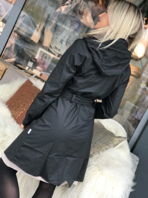 Rains Curve Jacket Black Regnjakke